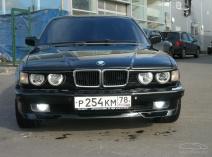 BMW 7er (E32)