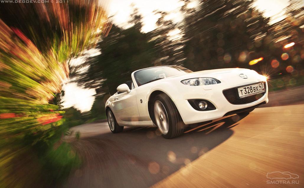 Mazda MX-5 Roadster Беленькая