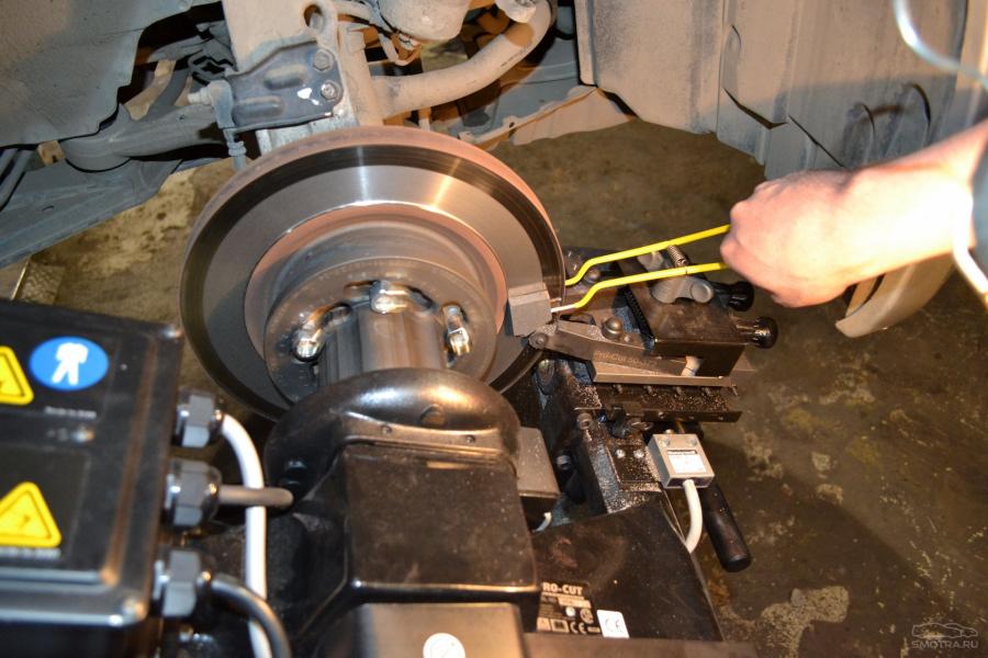 Проточить тормозные диски своими руками