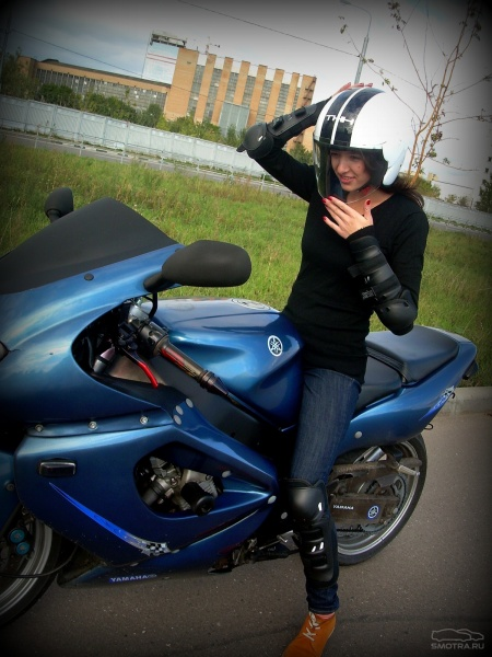 Девушка мотоцикл шлем фото