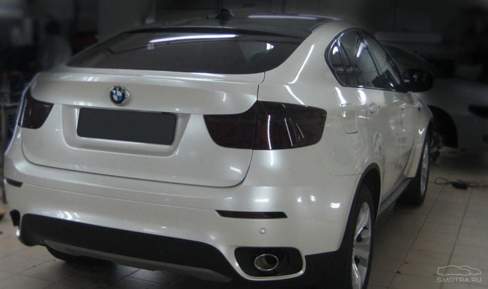 Цвет машины белый или черный