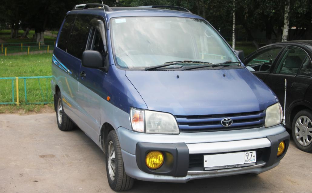 Toyota Town Ace Noah ГодзиЛЛа