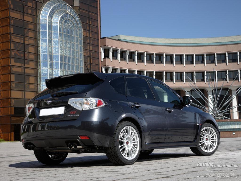 Subaru Impreza WRX STi ради драйва.