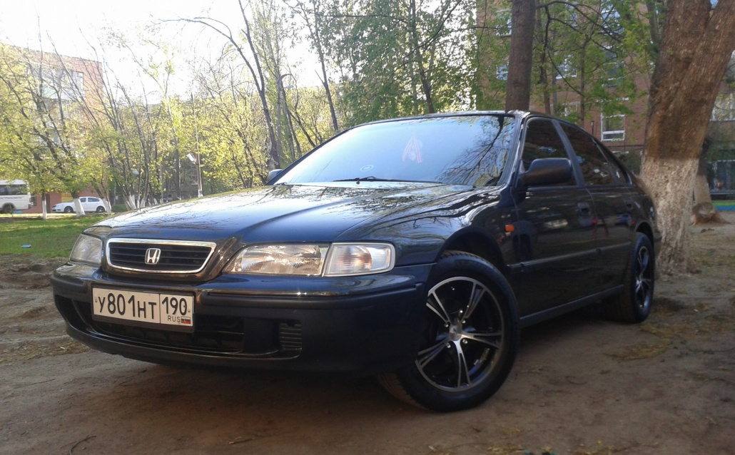 обои hd 1366х768 honda accord 5 cc7