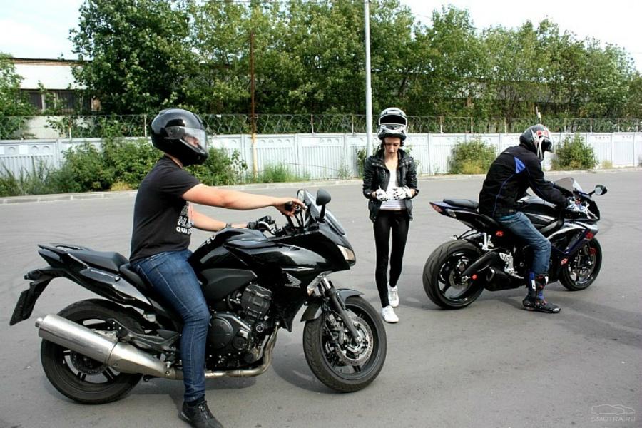 Девушки с мотоциклами (44 фото) Загоны