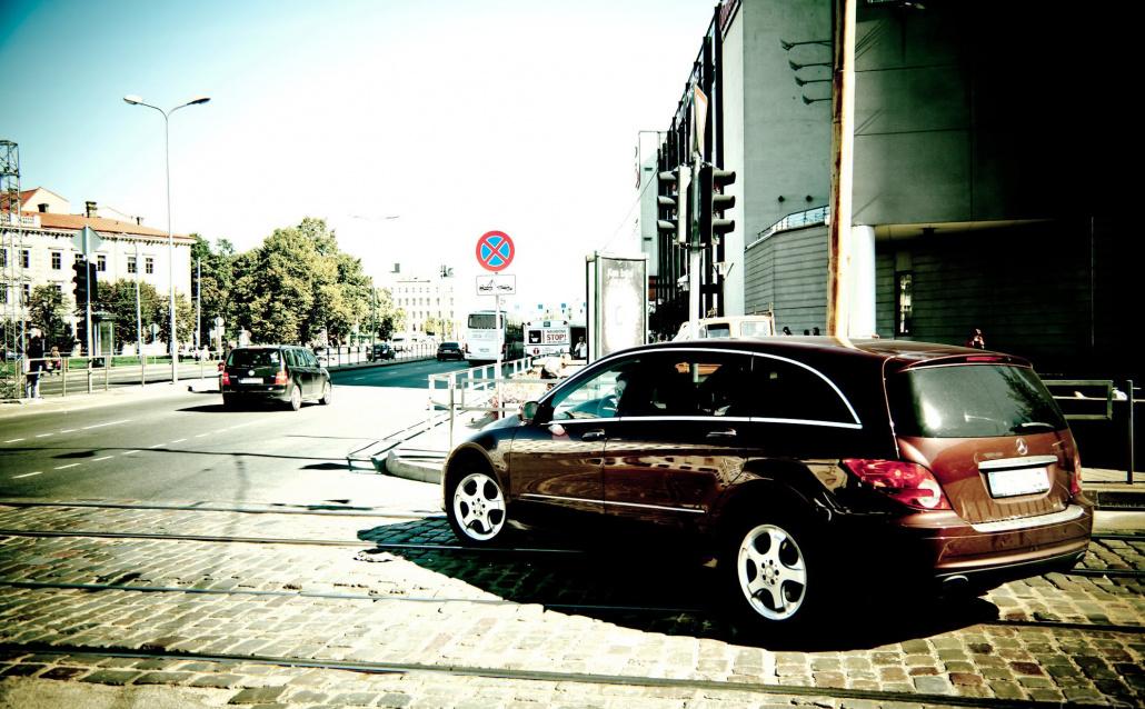 Mercedes-Benz R (V251) Респектовый Бегемот