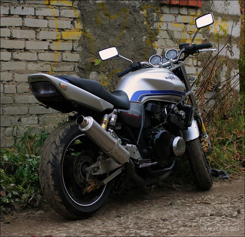 Прошлой осенью купил себе мотоцикл Hon…
