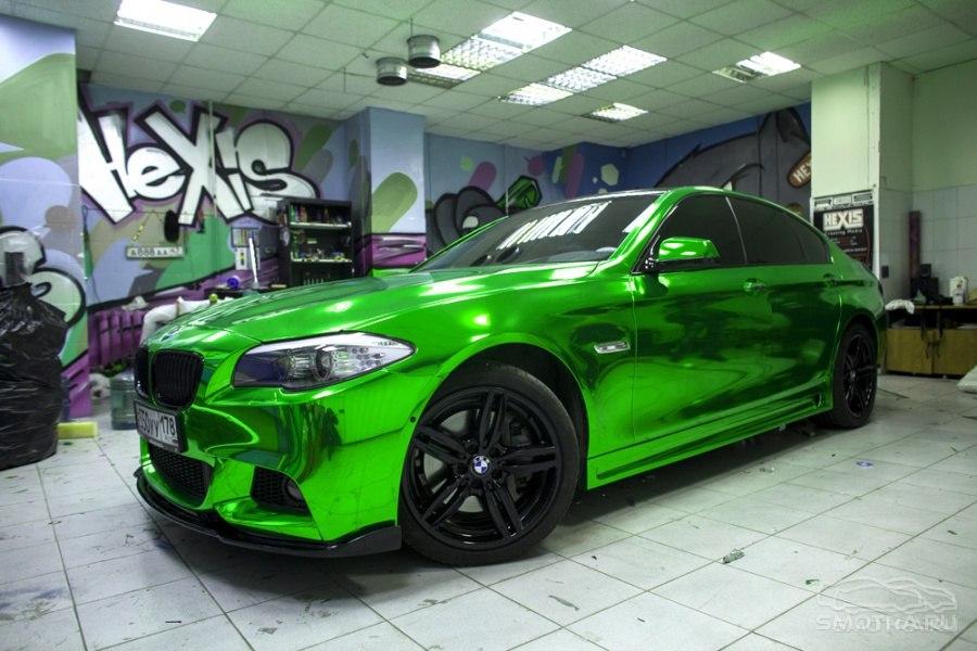 машины зеленого цвета